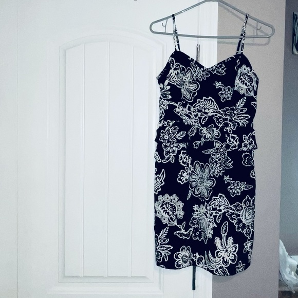 American Eagle Outfitters women's size 6 dress